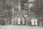 President Chung Wing Kwong and the Faculty and Staff 鍾榮光校長與教職員合影