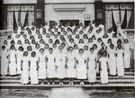 """Female Students in front of the Girls' Dormitory 在女生宿舍""""廣寒宮""""前合照之女生"""