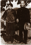 孙中山先生携同夫人宋庆龄到岭大视察