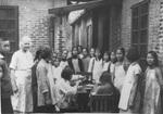 Brownell 女士在岭大提供午餐予儿童